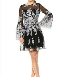 🆕 Nicole Miller Embroidered Bell Sleeve Dress